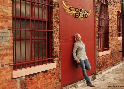 Cortni Bird - Country Music Singer and Songwriter